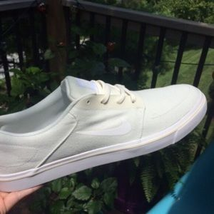 Men's 13 Nike Sail/White Portmore canvas sneaker